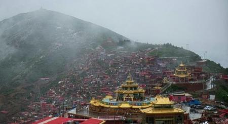 Trung Quốc phá dỡ nhà cửa ở khu Học viện Phật giáo Tây Tạng